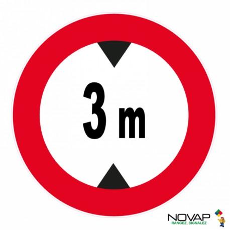 Panneau de signalisation - Hauteur limitée à 3 m